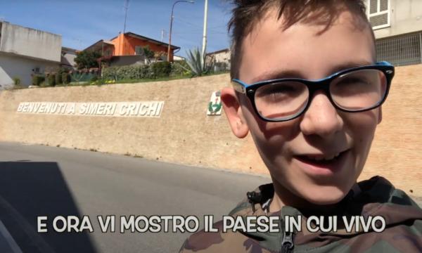 """VIDEO – """"Il mio paese"""", Il territorio di Simeri Crichi descritto dal piccolo Giosuè"""