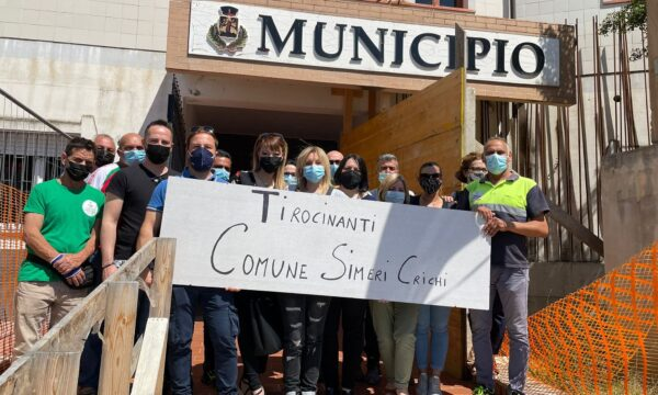 Contrattualizzazione incerta, Tirocinanti in protesta anche a Simeri Crichi – IL SERVIZIO