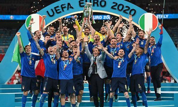 L'Italia è campione d'Europa. Festeggiamenti anche a Simeri Crichi