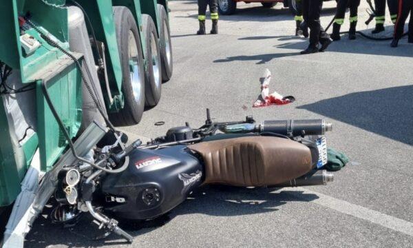 Sellia Marina, Incidente sulla SS 106. Conducente trasportato in gravi condizioni con elisoccorso